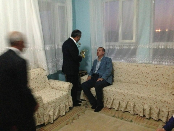 Vakıf Başkanımız Özkartal, Başbakan Erdoğan İle Özel Bir Görüşme Yaptı