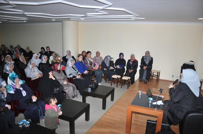 Sibel Eraslan ın Konferansında Gözyaşları Sel Olup Aktı